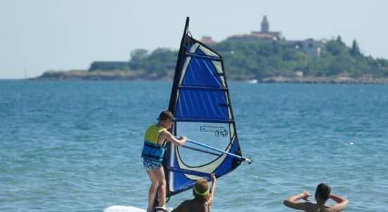 windsurf lesson for kids