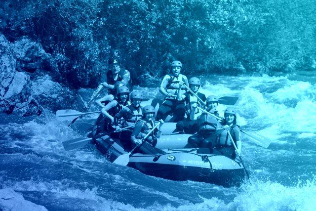 רפטינג עם הרפתקאות נטו על נהר סטרומה